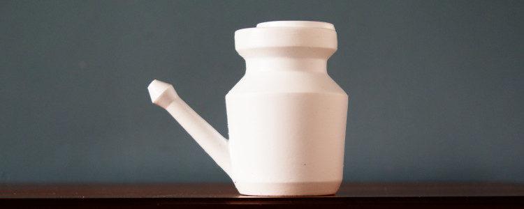 Rituel 3 : Jala Neti : nettoyage du nez à l'eau salée